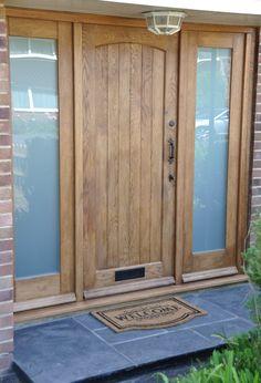 Solid Oak Cottage External Oak Door, Traditional Front door, Oak Exterior Door http://www.ukoakdoors.co.uk/cottage-external-oak-door_p23637748.htm