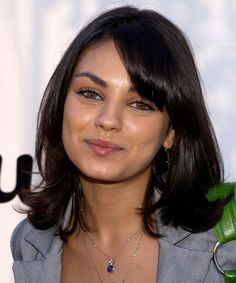 Mila Kunis Hair Evolution From Curls To Trendy Lob 2019 Mila Kunis Hair, Mila Kunis Pics, Mila Kunis Makeup, Trending Hairstyles, Bob Hairstyles, Rachel Haircut, Brunette Actresses, Hot Actresses, Hair Evolution