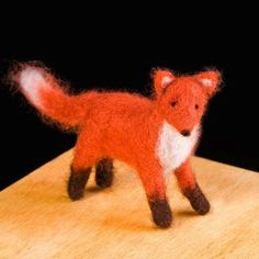 This Needle Felting Kit - Red Fox from Woolpets has enough colored wool roving and all the needle felting supplies needed to create one or two handsome red foxes. These needle felting kits from Woolpe