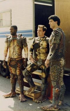 Behind the Scenes Predator 2 1990 Fantasy Movies, Sci Fi Movies, Scary Movies, Top Movies, Movie Tv, Predator Cosplay, Predator Costume, Predator Movie, Alien Vs Predator