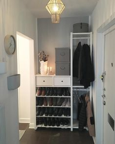 Ikea Closet, Hall Closet, Elvarli Ikea, Ikea Hall, Ikea Showroom, Ikea Room Divider, Bedroom Organisation, String Shelf, Hallway Storage