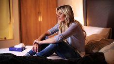 Listen to Karlien Van Jaarsveld Ek wil nie kwaad gaan slaap nie Best Songs, Awesome Songs, All About Music, Afrikaans, Kinds Of Music, Miley Cyrus, Music Videos, In This Moment, Album