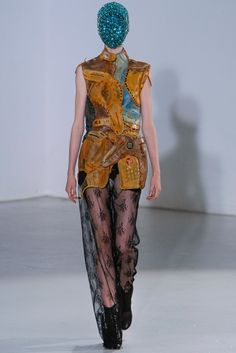 Maison Margiela Fall 2012 Couture Fashion Show