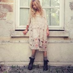 Disheveled fashion styling