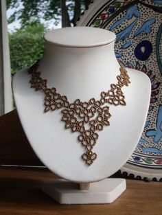 Loving the lacy netting here. Nice color for fall, too. Tatting Jewelry, Bead Jewellery, Beaded Jewelry Patterns, Beading Patterns, Beaded Lace, Beaded Embroidery, Seed Bead Necklace, Beaded Necklace, Necklaces