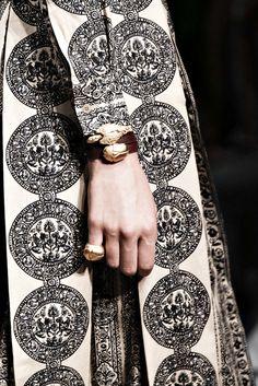 kurkova:  Valentino S/14 Details