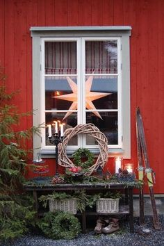 Country Christmas -- the star in the window, the willow wreath, greens, old skies. Swedish Christmas, Christmas Porch, Merry Little Christmas, Noel Christmas, Scandinavian Christmas, Primitive Christmas, Outdoor Christmas, Country Christmas, Winter Christmas