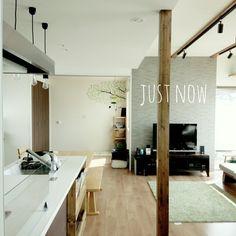 ⑧最新の「フラットタイプ対面型キッチン」の典型