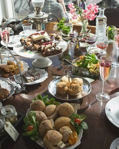 Still trying to overcome that food coma the High Tea we had with @odilejp and @vegan360 put us in! Just look at this amazing table heavily ladden with all the food  sandwiches salad cake cookies chocolates and scones  a 10.000 step walk was not enough to digest this!  #vegan #veganfood #veganblog #foodblog #vegangirl #amsterdam #hightea #veganhightea #vegancake #scones #cookies #sandwich #Holland #Netherlands #travel #explore #wanderlust #urbanhiking #spring #vegantravel #travelgram #healthy…