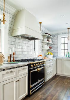 Traditional Kitchen ...