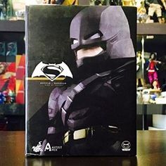 Amazon.com: Hot Toys AMC020 Dawn Of Justice Armored Batman BVS Artist Mix VER.NEW: Toys & Games