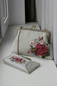 ℓυηα мι αηgєℓ ♡ Embroidery Purse, Hand Embroidery Stitches, Silk Ribbon Embroidery, Fabric Purses, Fabric Bags, Beaded Purses, Crochet Purses, Frame Purse, Quilted Bag
