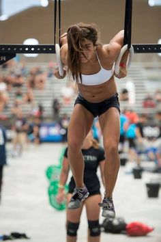 Wonder what atheltes like Lauren Fisher eat? Check out the interview with Lauren: www.stronginathong.com/lauren-fisher
