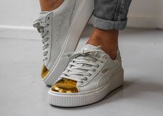 Tendance Chausseurs Femme 2017  white Puma Fenty Creepers with black sole | Puma Suede Platform Creepers Gold Me