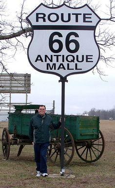 Route 66 Antique Mall... outside Lebanon, Missouri