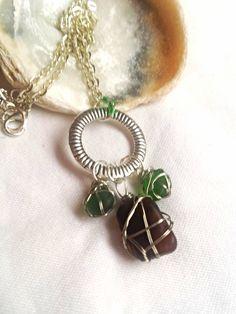 £12.99 Unique three small sea glass pendants choker necklace