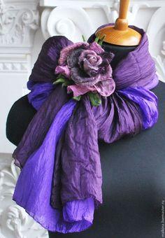 Купить или заказать Шелковый шарф-палантин Фиолетовый в интернет-магазине на Ярмарке Мастеров. В наличии!!!Роза немного другая. Красивый,шелковый шарф-палантин нежного чернично-фиолетового цвета с брошью розой,которая поможет создать разные красивые вариации. Носить можно в любое время года. На фото фиолетовая часть может казаться синей,но она фиолетовая! ВНИМАНИЕ!!!Брошь к шарфу,которая на фото продана,но подберу не менее красивую,очень подходящую!
