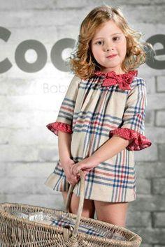 kind a little Jane Birkin Baby Girl Fashion, Kids Fashion, Kids Frocks, Baby Kind, Stylish Kids, Little Girl Dresses, Baby Sewing, Kind Mode, Kids Wear