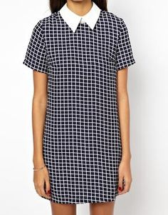 Image 3 of Glamorous Short Sleeve Shift Dress with Contrast Collar