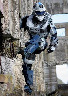 Halo cosplay photoshoot. Check out his other work at http://www.ethanwill.com