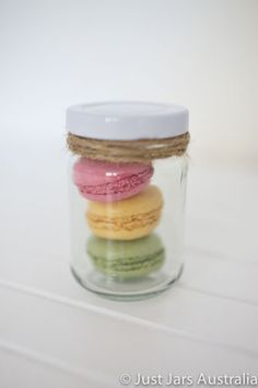 20 small glass jars - white lids - DIY wedding favours/ Bomboniere/ Bonbonniere | eBay