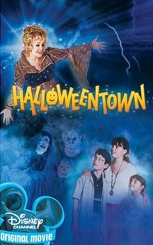 "The Disney Channel launched the ""Halloweentown"" franchise -- which chronicles a family of witches in. - The Disney Channel/Promotional Old Disney Movies, Old Movies, Great Movies, Vintage Movies, Old Disney Channel Movies, Plane Movies, Disney Original Movies, Classic Disney Movies, Awesome Movies"