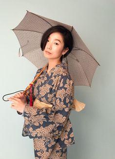 Yukata Kimono, Kimono Design, Traditional Outfits, Traditional Japanese, Tokyo Street Style, Japanese Outfits, Japanese Kimono, Japan Fashion, Asian Style
