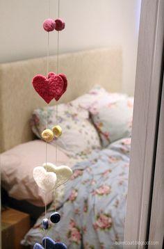 This pretty felted heart garla