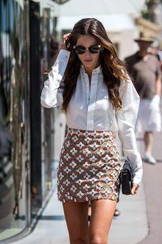 El encanto de las minifaldas de verano