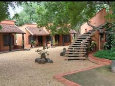 Atithi Griha (Guest House) at Auroville, Pondicherry: One of the most most most serene and beautiful places on this planet. Auroville India, Waves On The Beach, India House, Kerala Houses, Rural India, French Colonial, Earth Homes, Natural Home Decor, Home Photo
