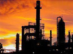 Piden bajar producción de 500 mil barriles de petróleo para subir precio