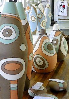 anelise bredow  http://ceramicaanelisebredow.blogspot.com/p/pecas-potes.html