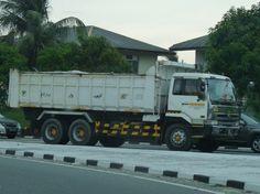 UD (Nissan Diesel) in Brunei Nissan Diesel Truck, Diesel Trucks, Dump Truck, Commercial Vehicle, Cool Trucks, Brunei, Asia, Japan, Vehicles