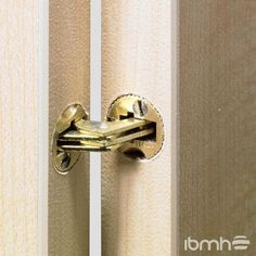 Import Brass Concealed Hinges from China. Furniture Hardware, Door Hardware and Kitchen Cabinet Hardware Fittings. Kitchen Cabinets Fittings, Kitchen Hinges, Hidden Hinges Cabinets, Furniture Hinges, Furniture Fittings, Wood Furniture, Concealed Door Hinges, Wardrobe Hinges, Invisible Hinges