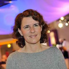 Women's forum 2012 femmes et digital. Odile Roujol sur le stand Orange