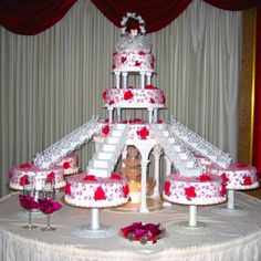 This is (almost) what I want my wedding cake to be like! My mom had a fountain cake too. Fountain Cake, Fountain Wedding Cakes, Beautiful Wedding Cakes, Beautiful Cakes, Amazing Cakes, Cake Icing, Eat Cake, Cupcake Cakes, Cake Pillars