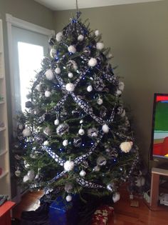 My Pinterest Inspired Dallas Cowboys Colors Christmas Tree For 2013. It  Even Impressed My Mom