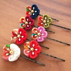 Kanzashi Flowers, Diy Flowers, Flowers In Hair, Fabric Flowers, Hair Forum, Diy And Crafts, Arts And Crafts, Japanese Flowers, Ribbon Art