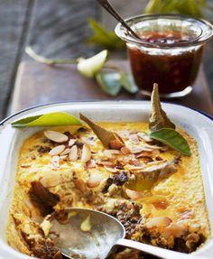 RECIPE: South African Bobotie - Ahlan! Live Salted Caramel Chocolate Tart, Chocolate Tarts, Salted Caramels, Bobotie Recipe, South African Recipes, Ethnic Recipes, Oreo Fudge, Dutch Oven Recipes, Jamaican Recipes