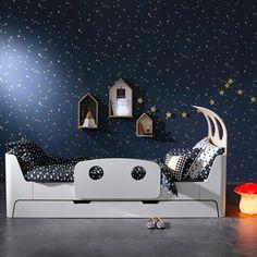 The shelf houses are darling #shelfie #kidsroom #girlsroom #bedroom #nursery
