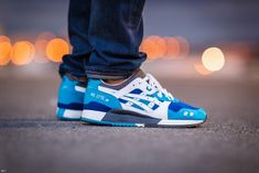 Asics Gel Lyte III - Blue/White (by Haroun Tazieff) Wicked colour for summer. - shoes for men - chaussures pour homme - Sneaker Outfits, Converse Sneaker, New Shoes, Men's Shoes, Shoes Sneakers, White Sneakers, Sneakers Mode, Classic Sneakers, Basket Sneakers