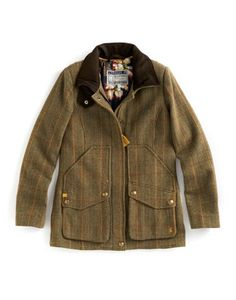 Joules FIELDCOAT Womens Semi Fitted Tweed Coat, Toad Green. Set this country sports coat firmly in your sights and capture true country style. Completely timeless, made to last season, after season, after season. A true Joules classic.