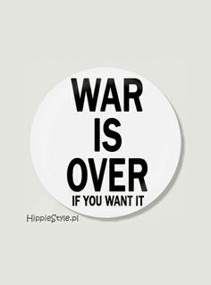 Przypinka WAR IS OVER | Hippie Style