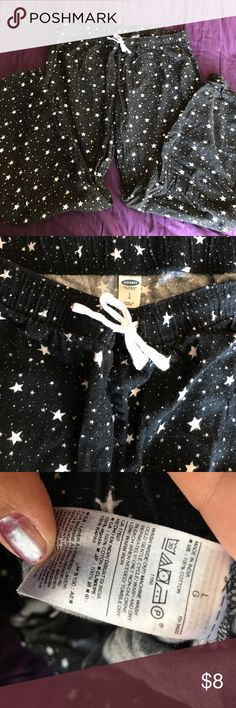 "Old Navy Black with white stars flannel pj pants Old Navy Black with white stars flannel pj pants. Very light weight flannel. Material label included in pics. About 29"" inseam. Stretchy elastic waist with white drawstring. Size large. Old Navy Intimates & Sleepwear Pajamas"