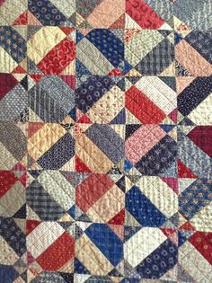 Timeless Traditions: Cleaning and Decluttering. Colchas Quilting, Machine Quilting, Quilting Projects, Blue Quilts, Scrappy Quilts, Japanese Quilts, Pinwheel Quilt, Quilt Of Valor, Patriotic Quilts
