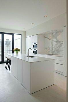 The kitchen that is top-notch white kitchen , modern kitchen , kitchen design ideas! Home Decor Kitchen, Kitchen Living, Diy Kitchen, Kitchen Furniture, Home Kitchens, Kitchen Ideas, Modern Kitchens, Kitchen Cabinets, Kitchen Hacks