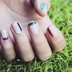 line...line....line.... I'm drawing lines.  #watercolor #cute #셀프네일 #fashion #art #nail #nailartjunkie #beauty #naildesign #watercolornails #ネイルサロン #watercolornail #nailart #nailsalon #selfnail #design #네일 #polish #nailswag #ネイル #ネイルアート #wedding #pikapika_nails #nails #수채화네일 #nailpolish #gelnail #네일아트 #젤네일 #watercolornailart