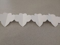 Make a trefoil garland to Bling Your Booth