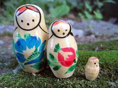 Vintage MATRYOSHKA Dolls Set - Russian Nesting Dolls