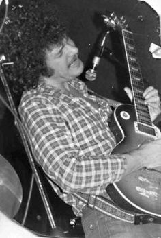 This article is an in-depth biography of the career of Mike Bloomfield, one of the greatest blues guitarists of all time. Jazz Music, Rock Music, Mike Bloomfield, Rory Gallagher, Classic Rock And Roll, Music Images, Blue Band, Les Paul, Playing Guitar